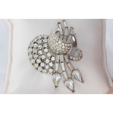 Rhinestone Vintage Heart and Arrow Pin