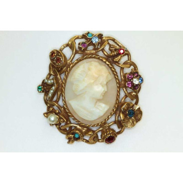 Vintage Shell Cameo Jewel Pin