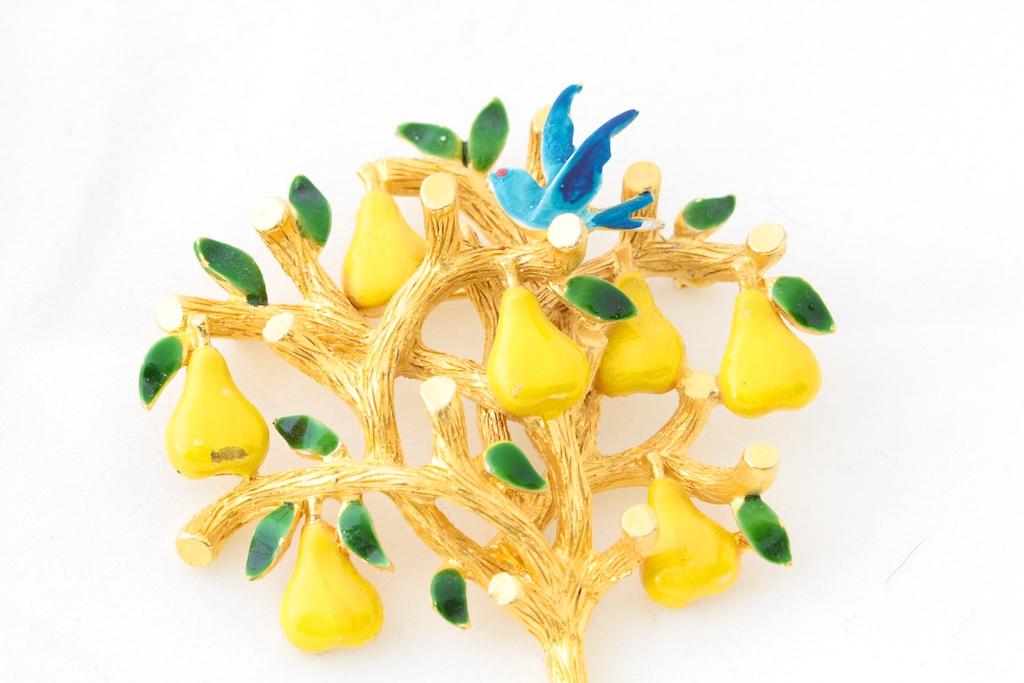 Cadoro Pear Tree Pin